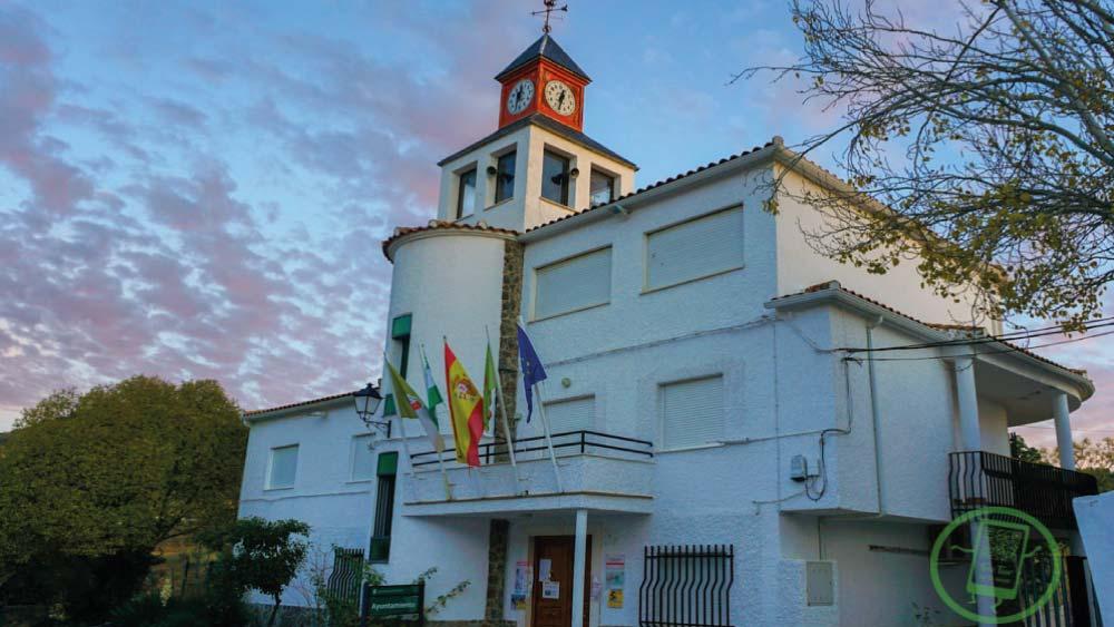 Ayuntamiento y Parque Multiaventura | Fachada Ayuntamiento | Free Tour En Tu Mano | Frailes